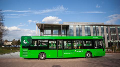 Bus 1600X900